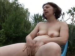 This Lady Loves To Play With Her Hairy Snatch