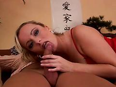Hungry milf with juicy butt invites hard cock to visit her cunt