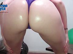 Roundest Ass in a White Latin Teen! Amazing cameltoe & tits!
